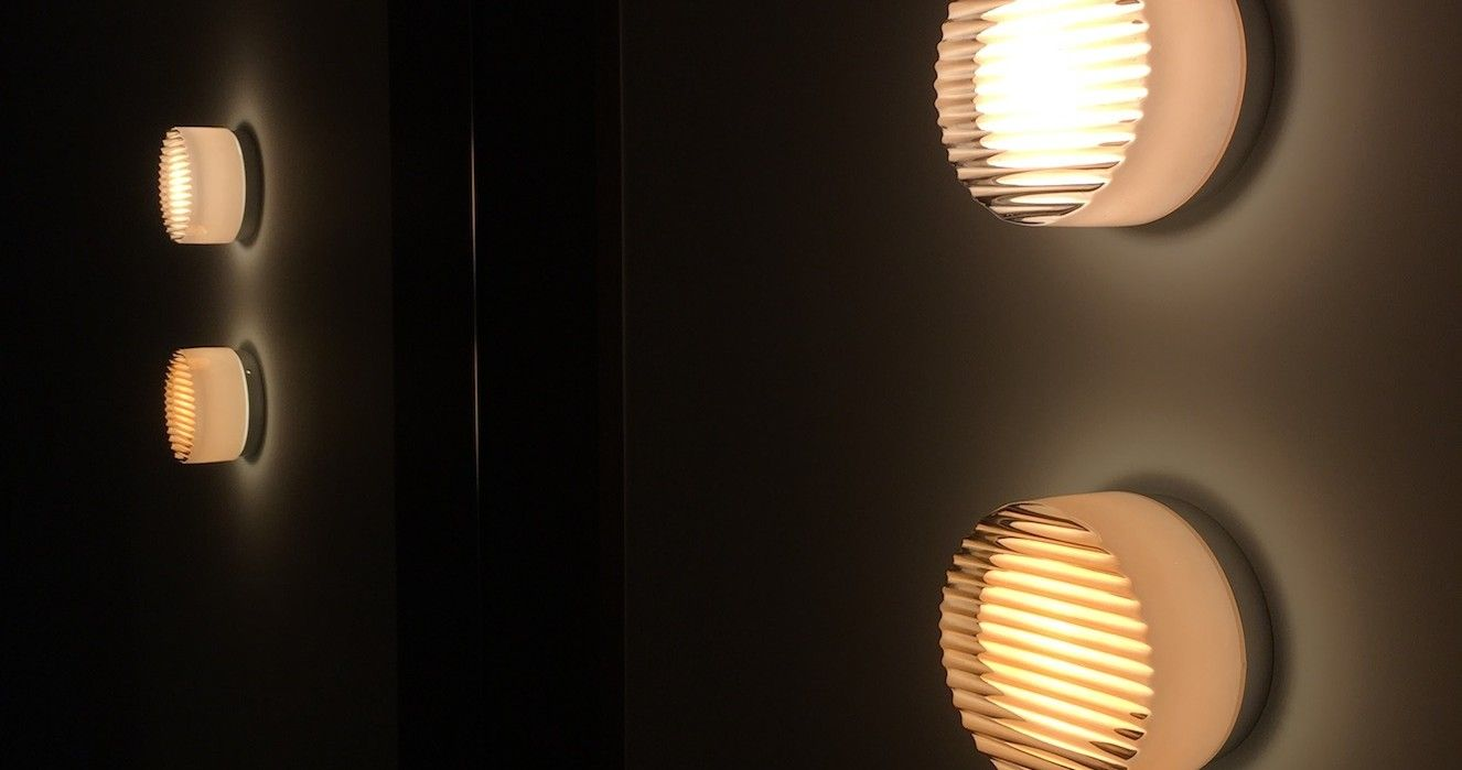 rich brilliant willing crisp wall light