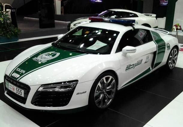 000 The incredible sports cars of the Police of Dubai