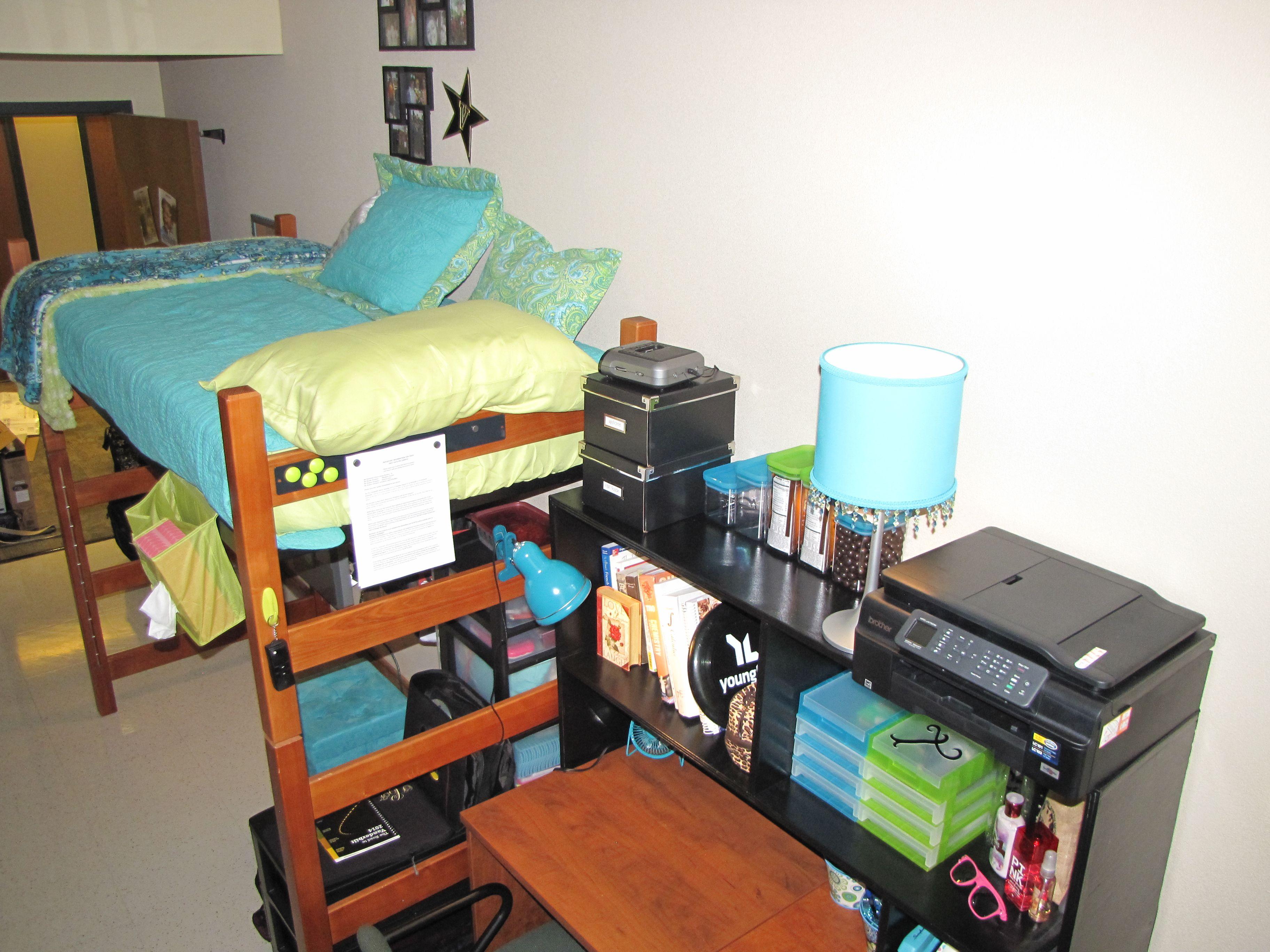 Aqua and Lime Dorm décor Crawford House Vanderbilt  ~ 054541_Aqua Dorm Room Ideas