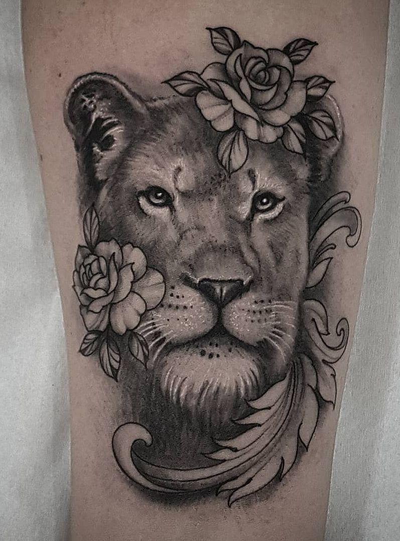 Lioness Tattoo Ideas For Women C Tattoo Artist Spiga Dragons Tattoo Studio Lioness Tattoo Female Lion Tattoo Animal Tattoos