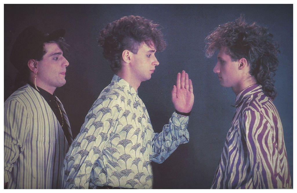 "https://flic.kr/p/Hn4AQb | SODA STEREO: Foto de prensa - Buenos Aires 1985 | SODA STEREO: Buenos Aires. Año 1985. #Cerati  ""Somos un conjunto dietético, buscando el paraíso estético...""   www.facebook.com/FlacoStereo.Ok/photos/a.408686690848.179..."