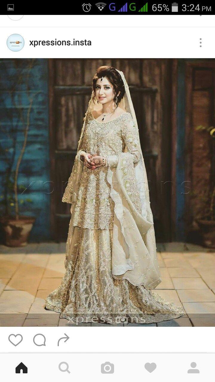 Hindu wedding dress  Pin by iam nobady on WalimaReception  Pinterest  Pakistani Desi