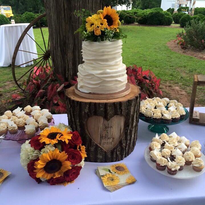 Personalized rustic log cake stand carved by king