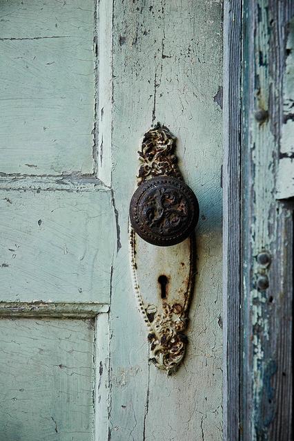 Vintage door knob. | Posh Portals | Pinterest | Vintage doors, Door ...