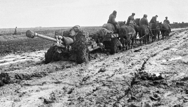 Soviet 76mm Divisional Gun M1942 (ZiS-3) being towed by horses, Eastern Europe, 1 Oct 1942