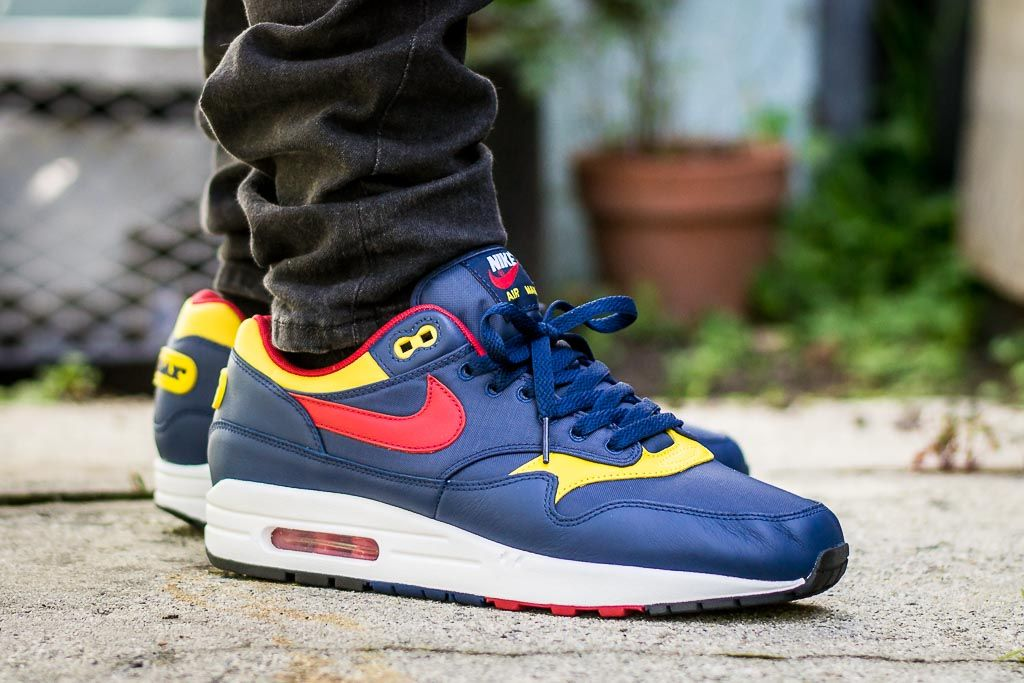 finest selection 15600 59e26 See how the Nike Air Max 1 Premium Snow Beach looks on feet in this video  review before you cop! Find out where to buy these Nike Air Max 1s online!