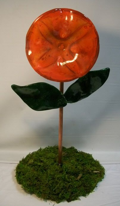 Spring Flower. Artist: Donald Johnson. Hot/Warm Glass category. Just For Fun Contest. Stained Glass Express. Manchester, Maine.