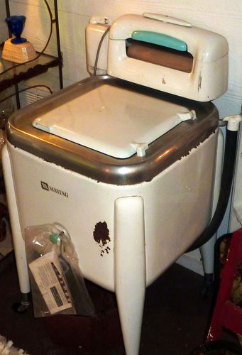 Vintage Maytag Wringer Washer Model E2LS | Old washing ...