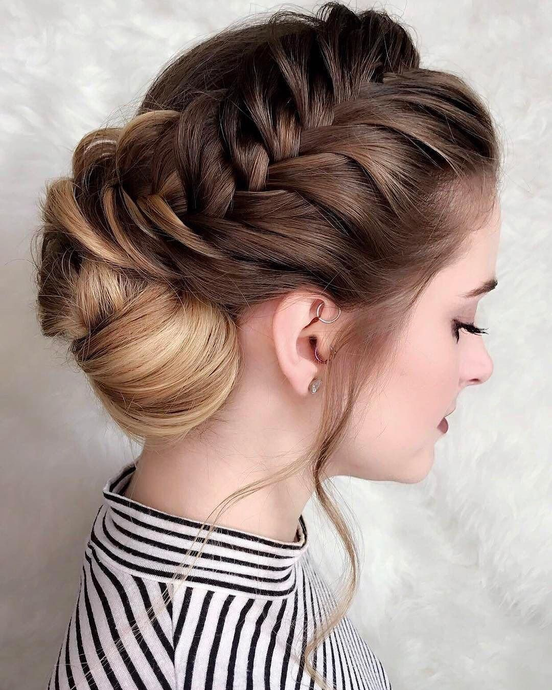 French Braids In The Front Chignon In The Back Humpdayhair Regra Hair Styles Stylish Hair Cool Hairstyles
