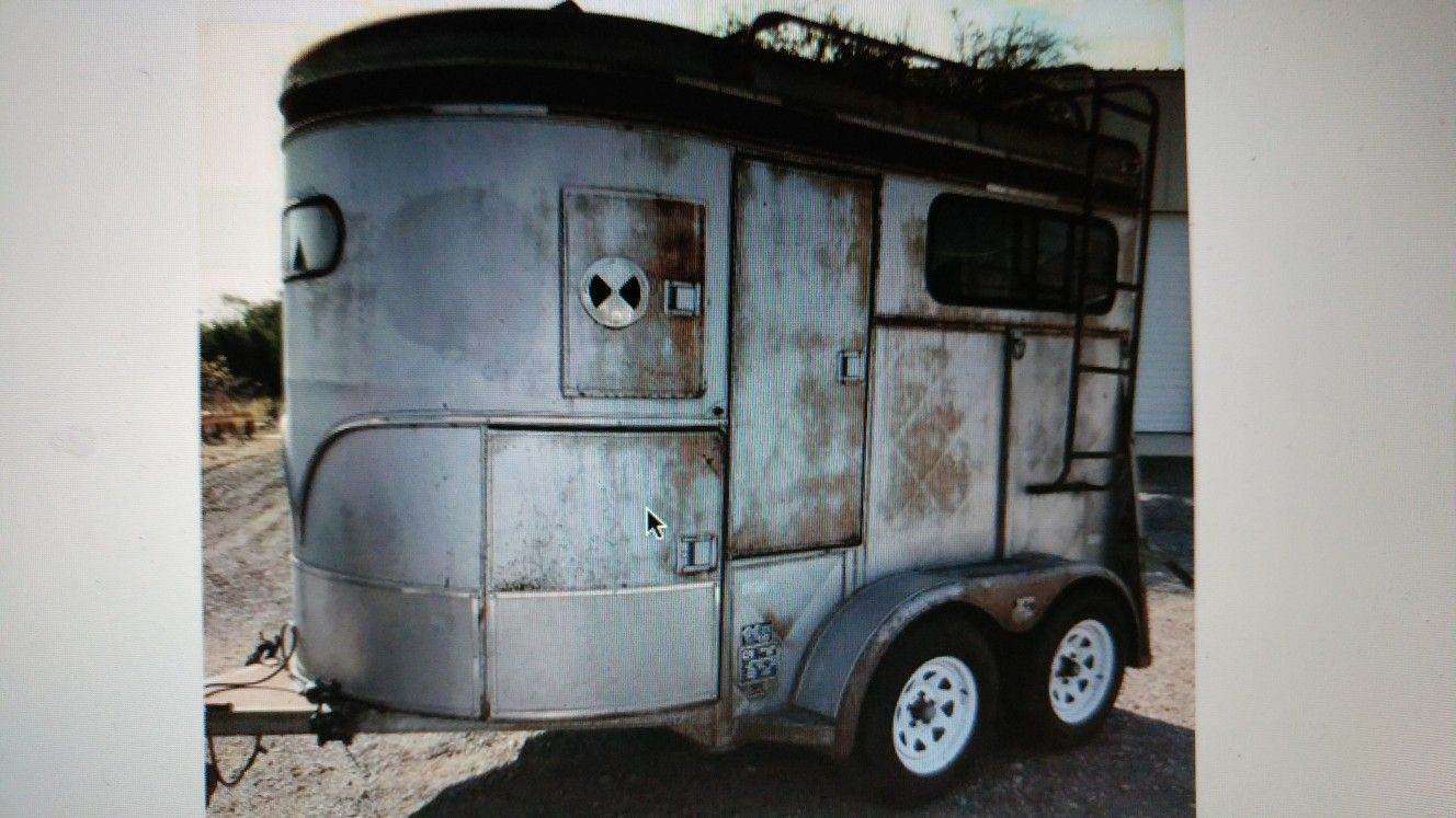 Nice old trailer | old horse trailers | Pinterest | Horse trailers