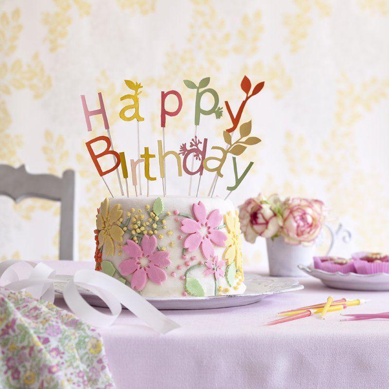 un g teau fleuri de p te d amande id e carte gateau anniversaire g teau anniversaire femme. Black Bedroom Furniture Sets. Home Design Ideas