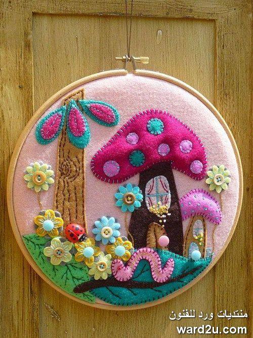 قماش الجوخ في أعمال فنية متعددة Felt Embroidery Felt Crafts Felt Diy