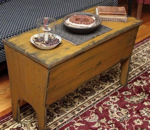 17 Best Images About Primitive Coffee Tables On Pinterest Country Charm Blanket Chest Primitive Furniture Primitive Decorating Country Primitive Decorating