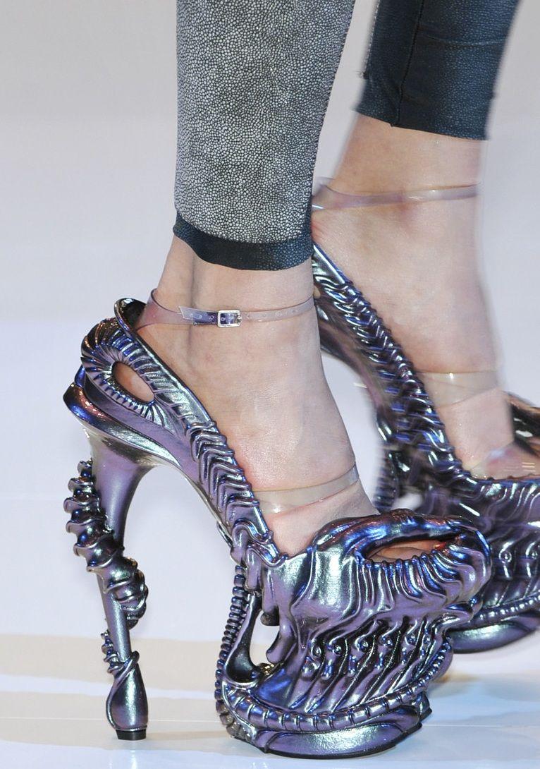 Alexander McQueen - SS 2010 - Alien Shoes  7e2f515f2
