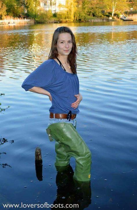 Pin De Bullseye Hood En Waders Fishing Boots Cool Boots