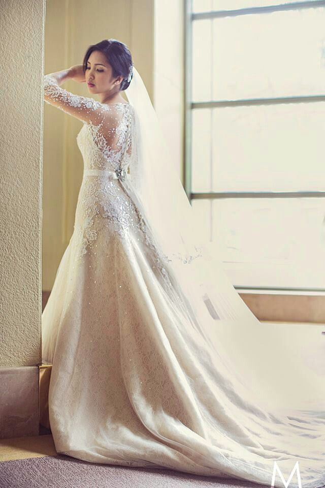 Veluz Reyes Wedding Gowns For More Visit Facebook Gelinligimm