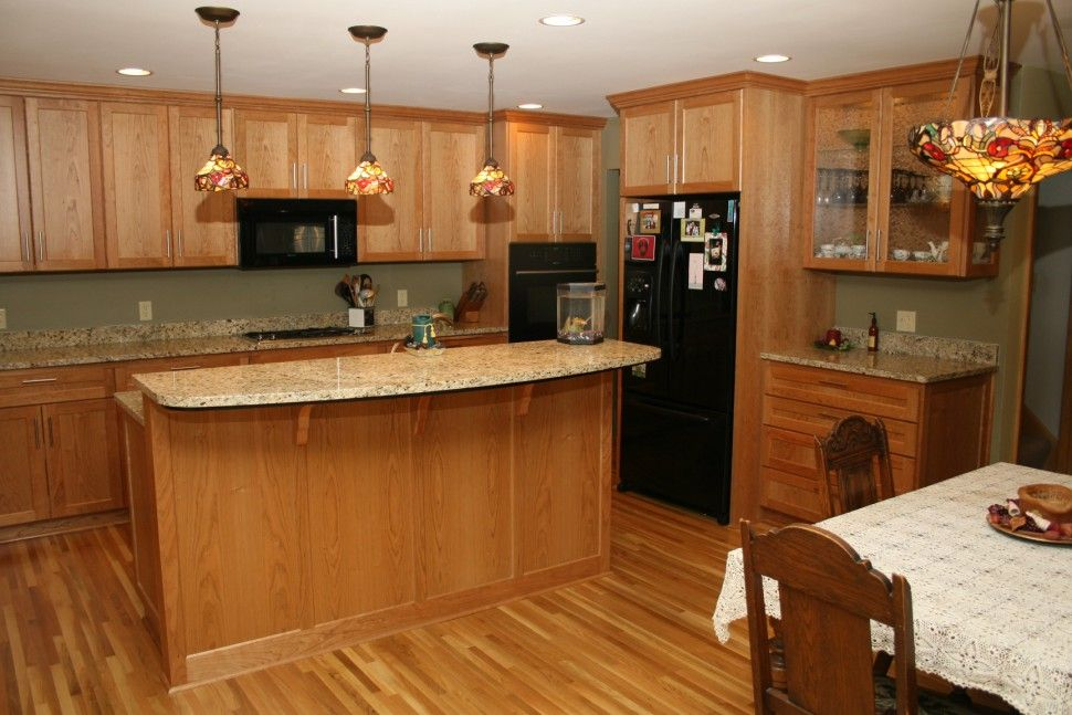 Kitchen : Quartz Countertops With Oak Cabinets Laminate Wood Floor