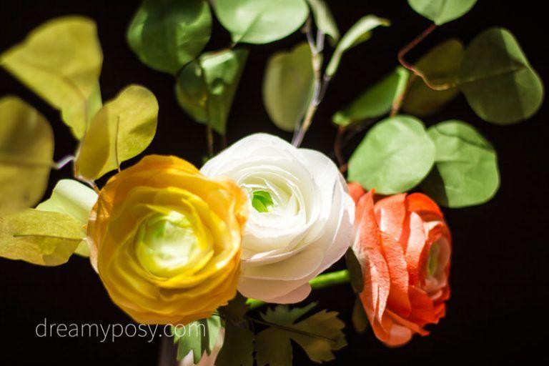 Diy Paper Ranunculus Flower Free Template And Video Tutorial Paper Flower Template Paper Flowers Diy Easy Paper Flowers