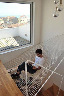 屋内に張られたハンモック 家具のアイデア Diy ホーム インテリア 家具
