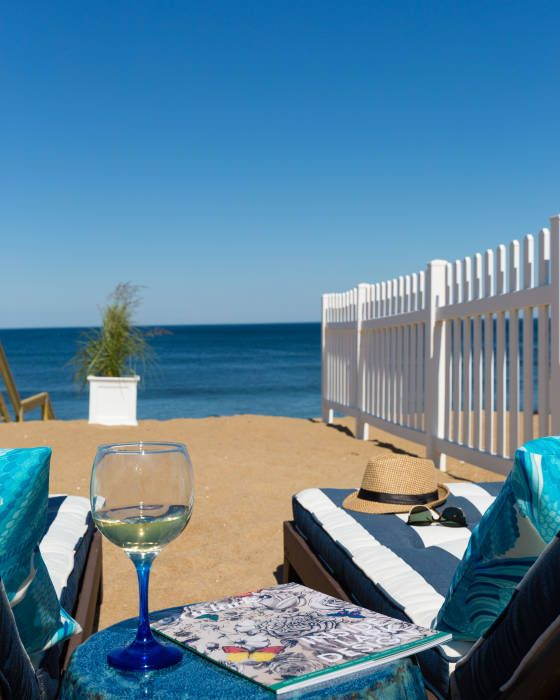 Ma Beach Hotel Located Near Newburyport On Plum Island Offers New England Oceanfront Accommodations And Oceanview Luxury Inn Suites