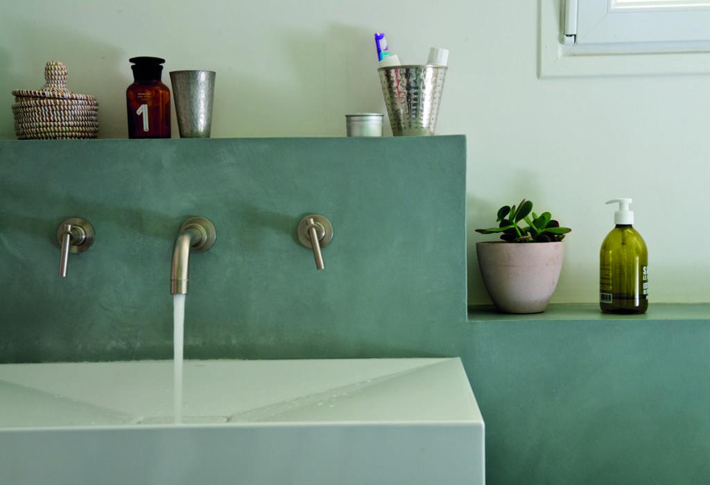 Un aperçu du0027une réalisation en Enduit Béton Coloré (EBC) à la - enduit salle de bain