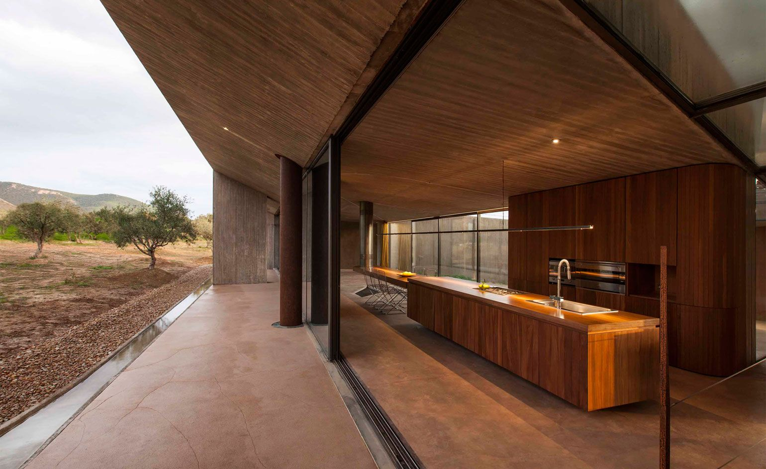 Tense Architecture Network\u0027s concrete residence in Megara has all ...