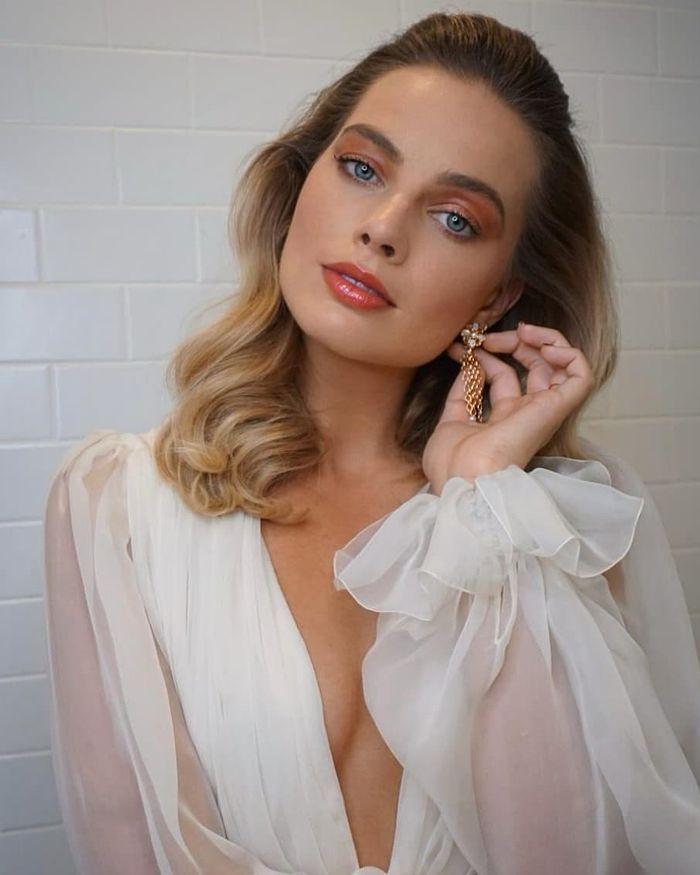 8 Epic Beauty Looks From My Makeup Queen, Margot Robbie