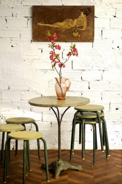 table gu ridon et tabourets bistrot outdoor indoor pinterest gu ridons tabouret et table. Black Bedroom Furniture Sets. Home Design Ideas
