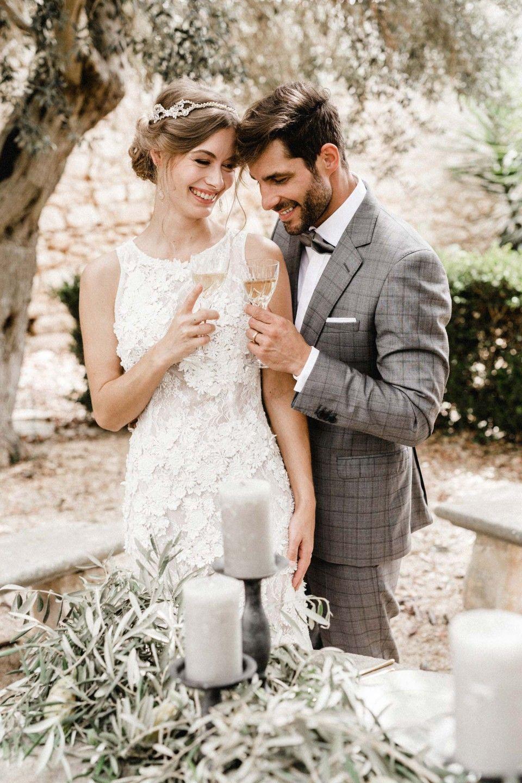 Hochzeitszeitung Vorlagen Fur Powerpoint Indesign Hochzeitszeitung Hochzeitsvorlagen Hochzeitszeitung Ideen