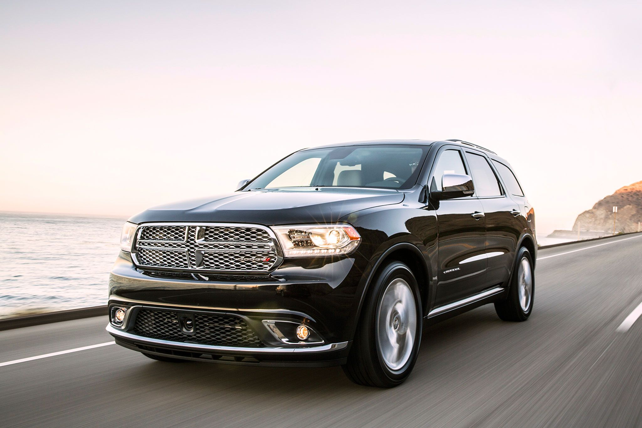 2014 Dodge Durango Citadel front three quarters view in motion