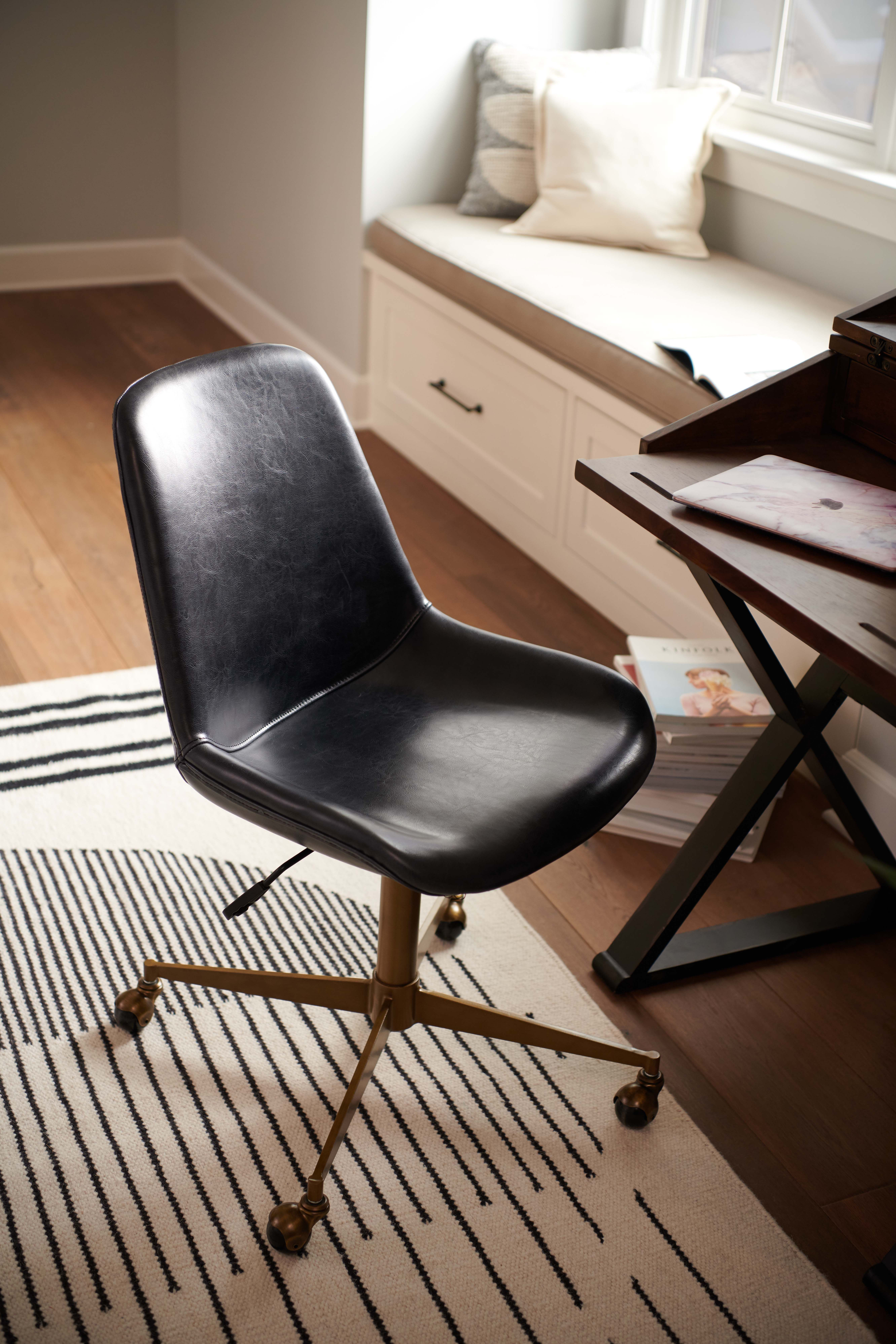 Home Office Furniture And Decor In 2020 Home Office Furniture