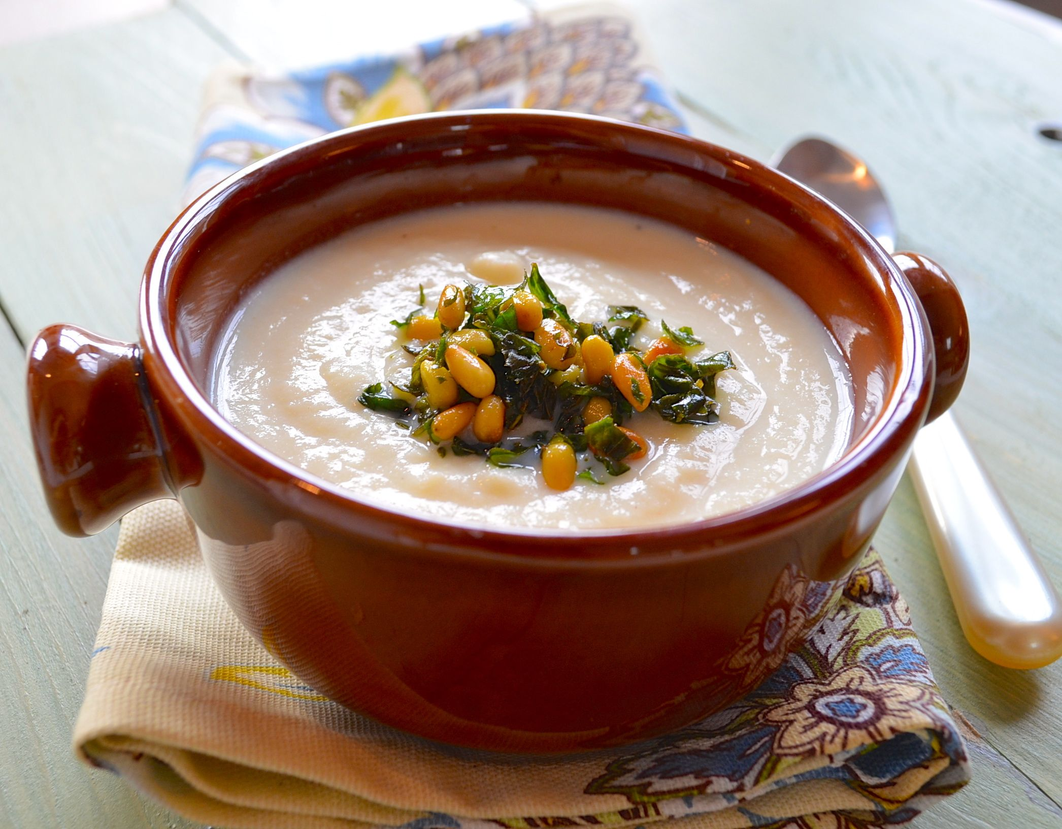 Creamy Corn Soup.  It looks mouthwatering~~
