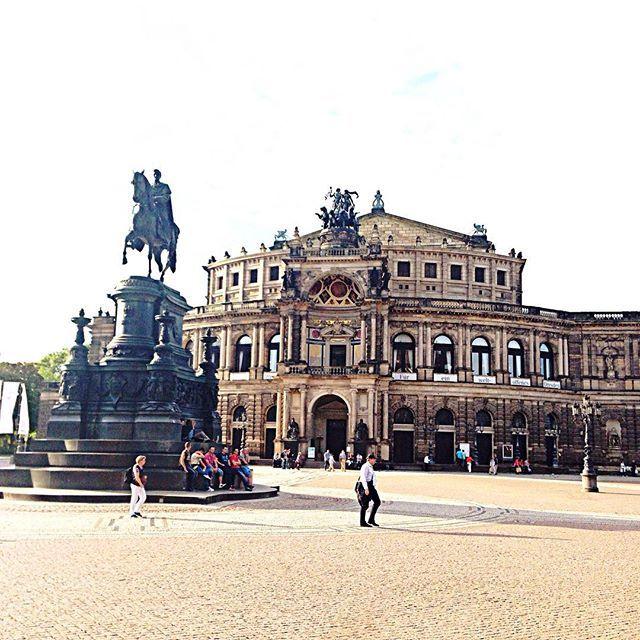 Funda Baser Instagram Photos And Videos Semper Oper Dresden Deutschland
