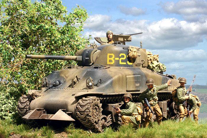 M4A1 Sherman by Steven J. Zaloga (Tamiya 1/48)