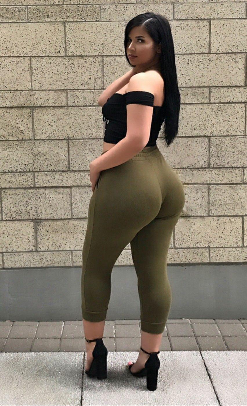Super Ass Brunette