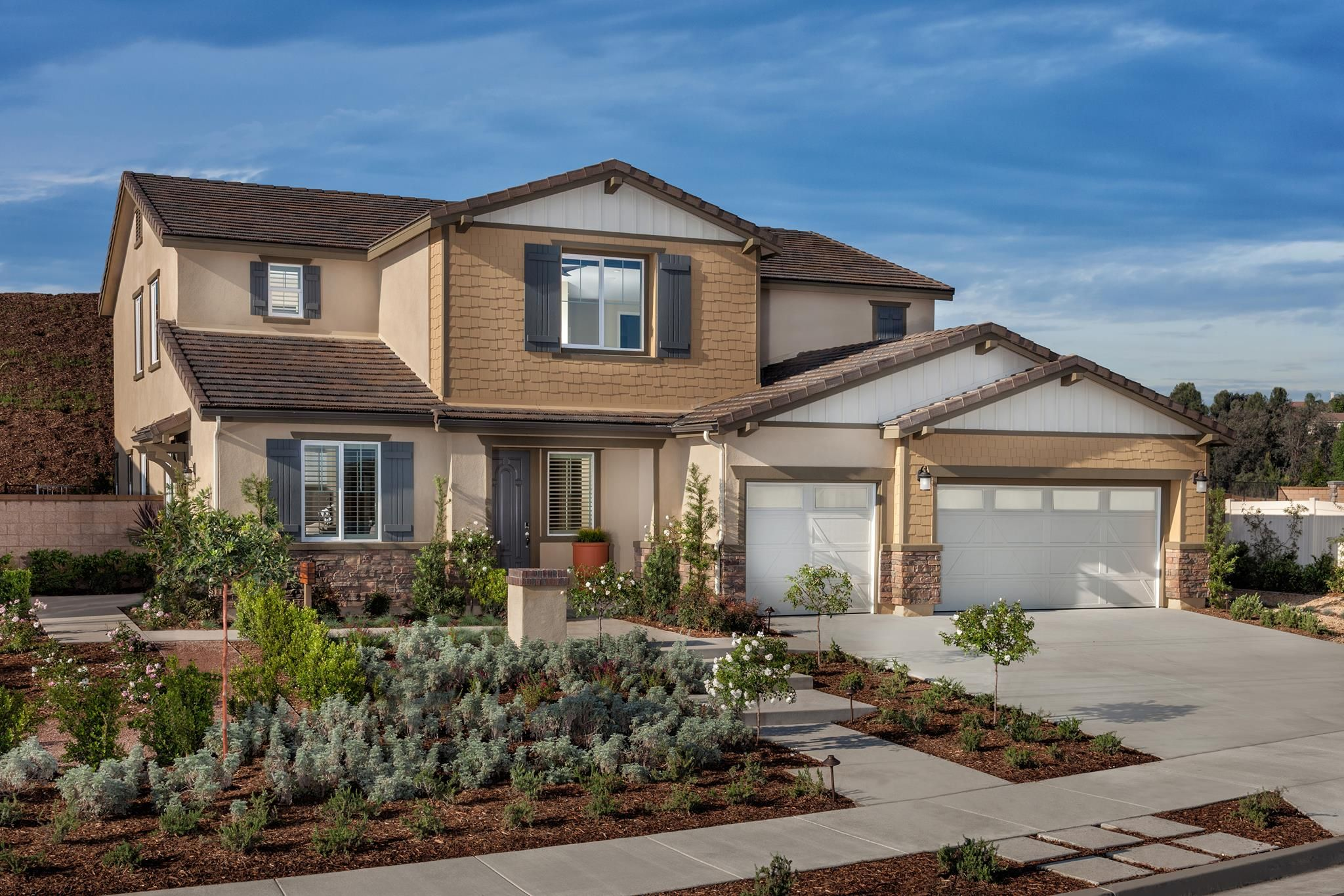 Would Owning A Home This Style Make You Smile Lennar Riverside House Curb Appeal
