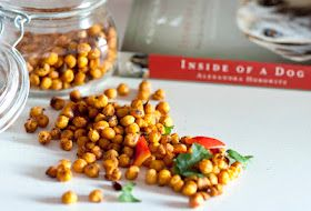 Roasted, crunchy chickpeas w/seasoning