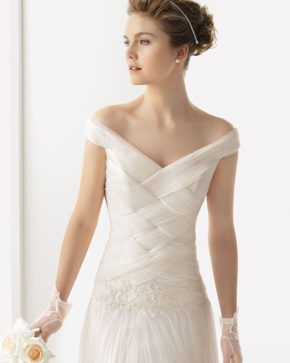 2014 Romantic A-line Off-The-Shoulder Tulle Wedding Dress