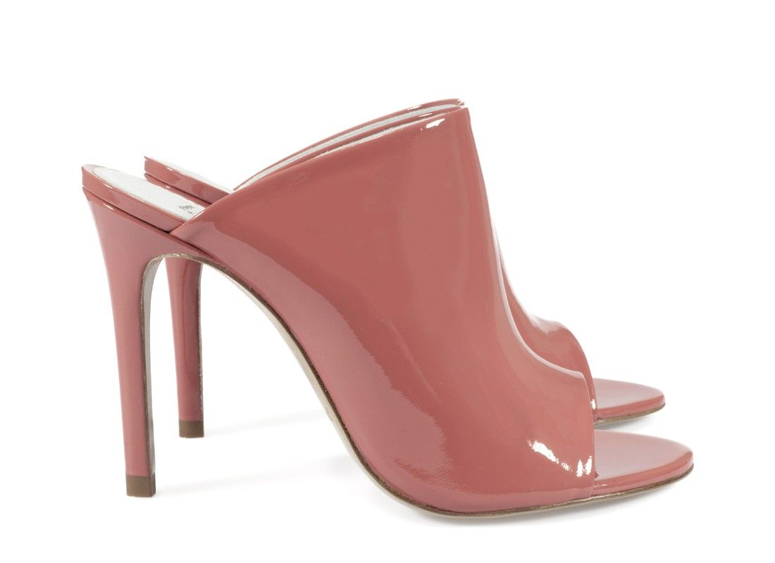 Patent leather blush-tone mules by Pedro García > http://www.pedrogarcia.com/uk_en/online-store/view-all/carrie-nude-patent?tp=39333&utm_source=pinterest