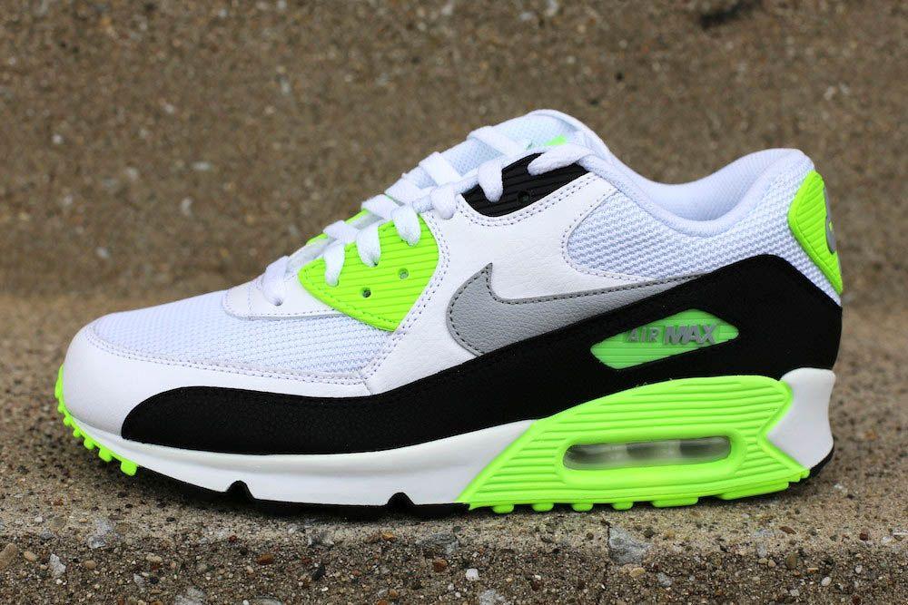 good texture pick up run shoes Nike Air Max 90 Essential -