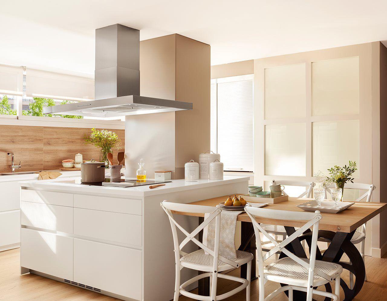 En la cocina | Correderas, Pisos y Casas