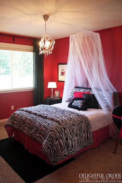 hot pink black and white girls room trinity white 19471 | 37e7e54bd769aa5a0fb1484e0352c9ad