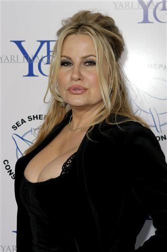 Jennifer coolidge bikini photos