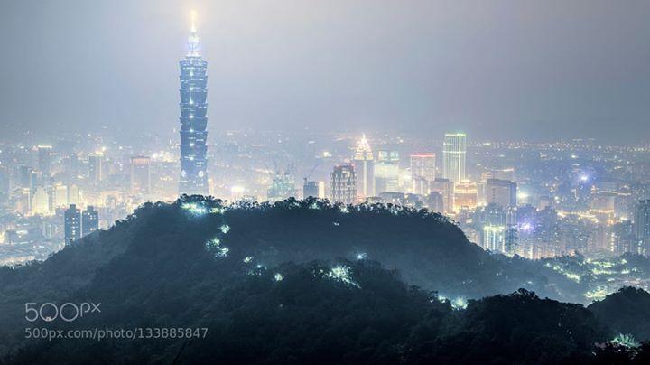 Nightglow Formosa http://ift.tt/1PwaAJe 101Taipei 101architecturelightnighttaipeitaipei citytaiwan