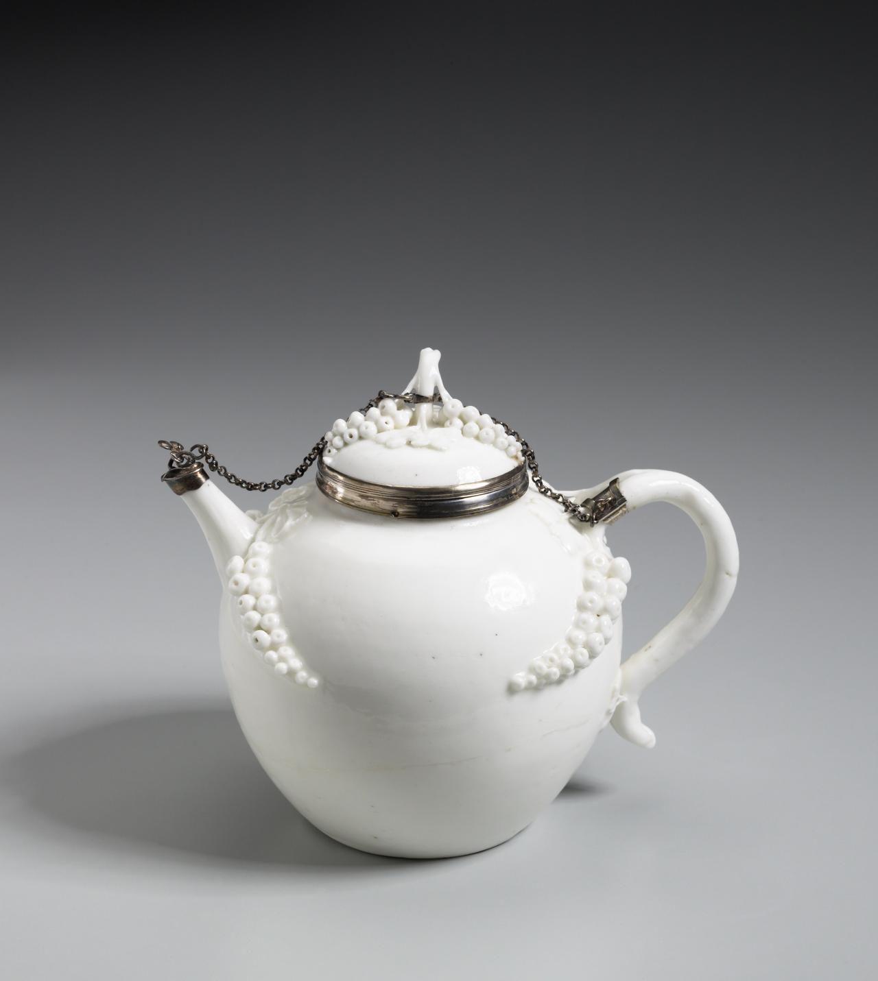 Cassis Pot Tea Pots Porcelain Tea