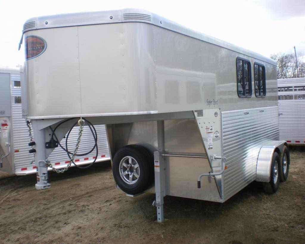 Sundowner Aluminum 2 Horse Gooseneck . Aluminum wheels