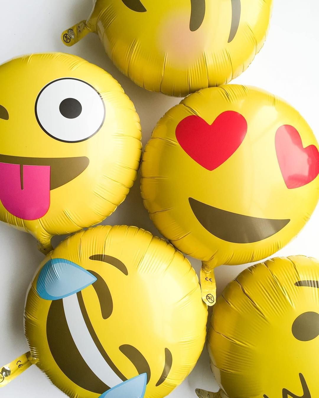 emoji balloons oh happy day party shop emoji fun balloons emoji foil balloons. Black Bedroom Furniture Sets. Home Design Ideas