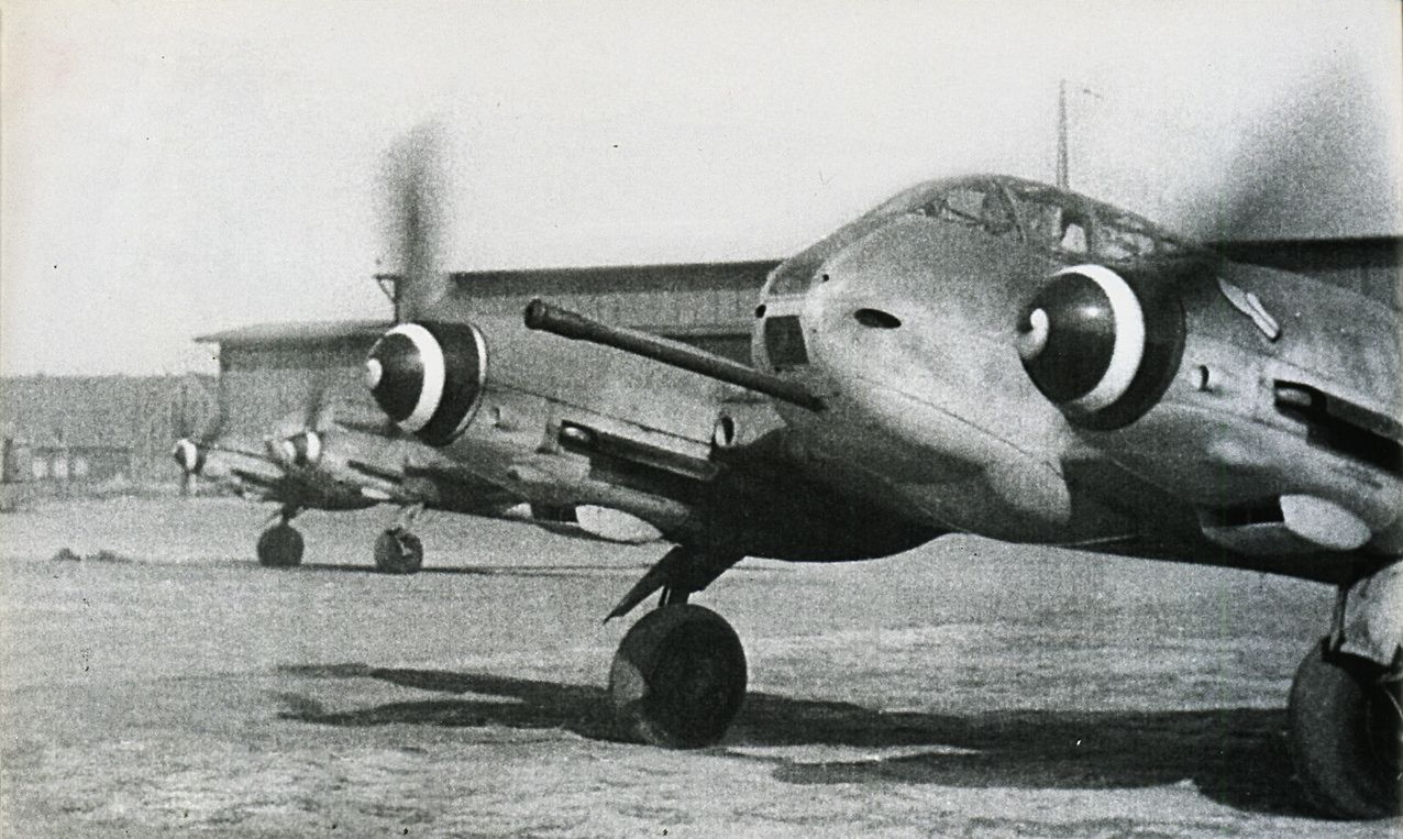 Me 410 Hornisse 50 mm cannon