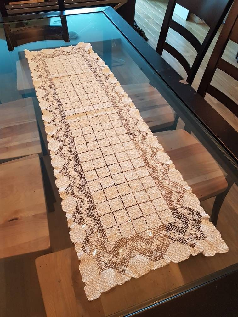 Vintage Embroidered Table Runner Vintage Table Linens Table