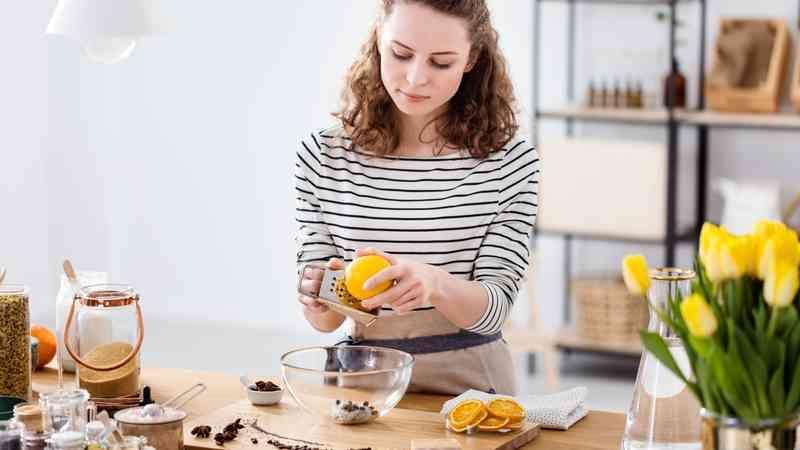 Uble Geruche Aus Dem Abfluss 5 Hausmittel Die Wirklich Helfen In 2020 Hausmittel Backpulver Und Essig Kalkreiniger